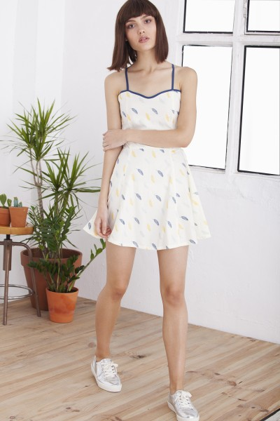 Hilda feather printed dress with straps on the back