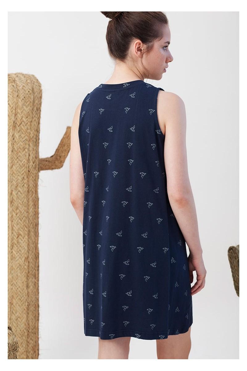 Vestido evasé Itati azul marino estampado pájaros origami.
