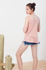 Camiseta reversible Isabella rosa estampado anstracto.
