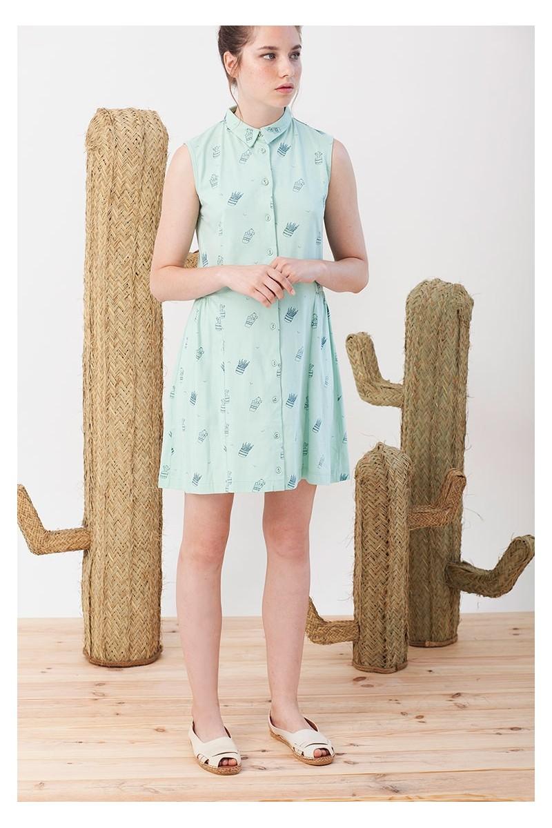 Vestido Iris over size verde con estampado cactus.