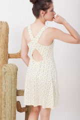 Vestido Ilaria espalda cruzada estampado de triángulos.