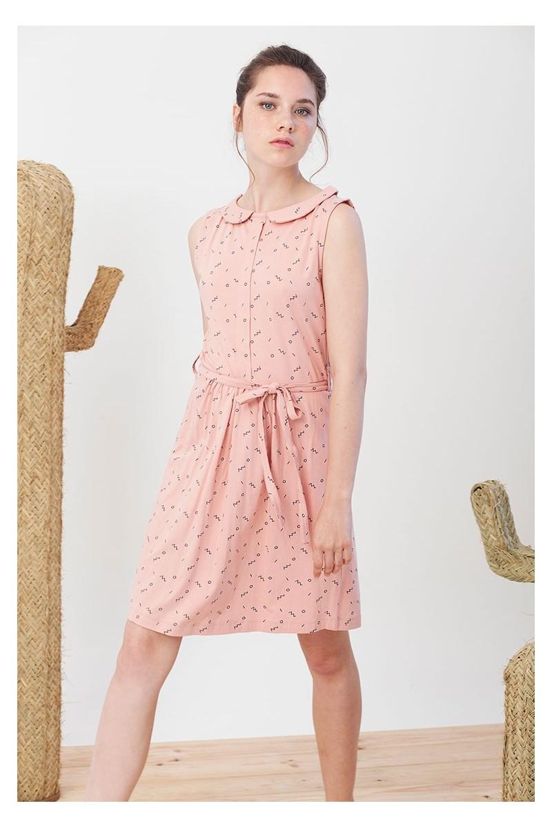 Vestido Ivonne rosa estampado abstracto.