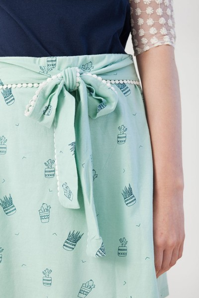 Ingrid skirt in light green.