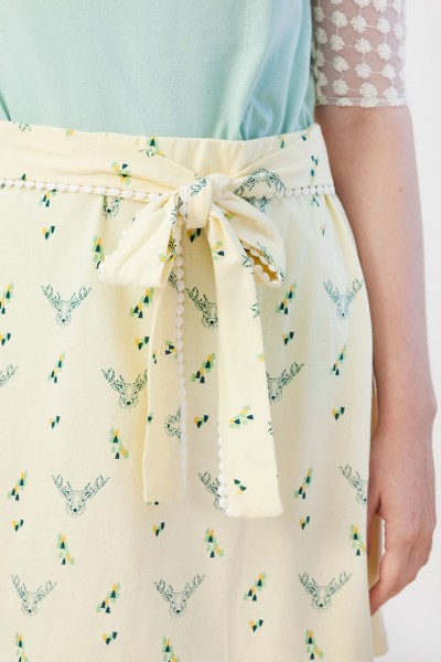 Ingrid skirt in light yellow.
