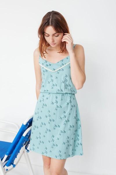 Vestido de tirantes Marisa con estampado golondrinas