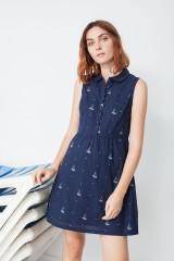 Vestido ecológico Mimi con cuello camisero y estampado barcos