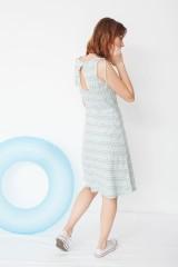 Vestido Mireia con detalle en el hombro con estampado flechas