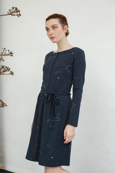 Vestido Noa con botones y estampado constelaciones.