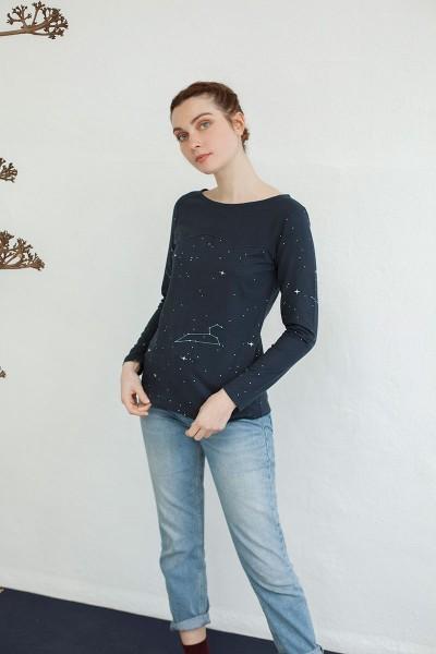 Camiseta canesú Nina estampado constelaciones.