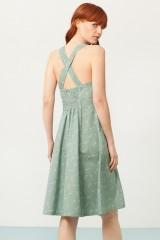 Vestido Prunella cruzado verde estampado bambú