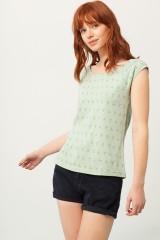 Camiseta Paola cuello barco verde estampado abstracto