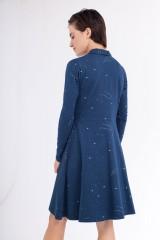 Vestido Colette cuello chal estampado constelaciones.