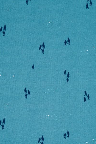 Babero reversible azul ópalo mirando a las estrellas