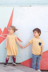 Camiseta unisex color miel estampado japonés