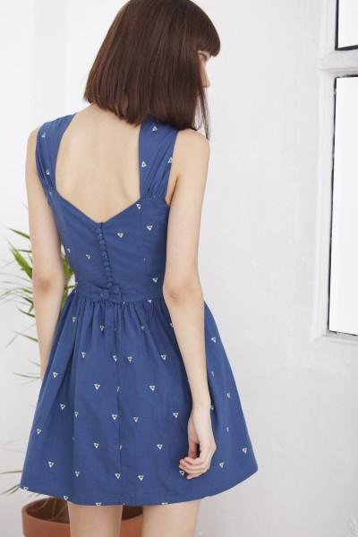 Vestido Helvia vintage azul estampado triángulos