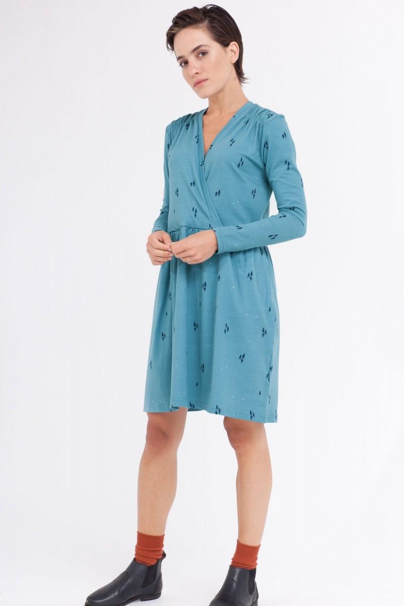 Vestido Camile oversize cruzado color azul ópalo.