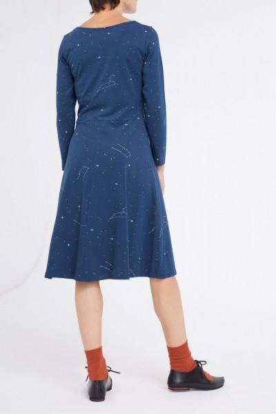 Vestido Cynthia falda midi azul marino estampado constelaciones.